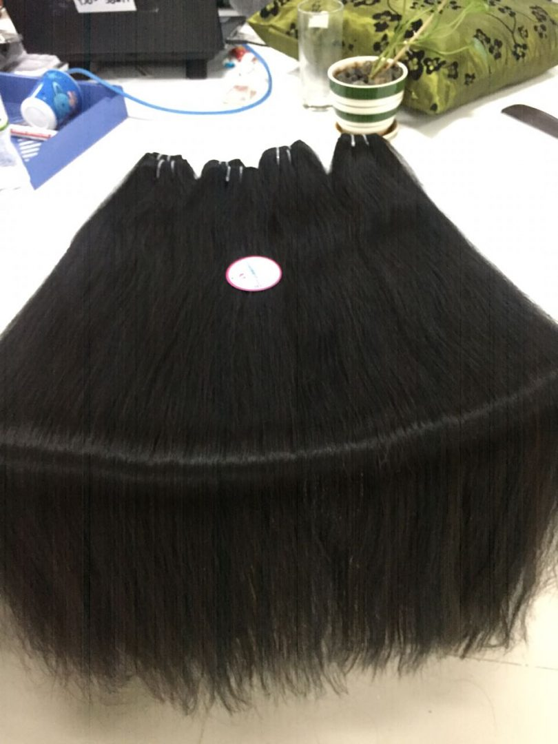 30 Inches Hair Black Color Straight Weft Machine