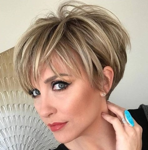 Amazingly Stunning Short Hairstyles For Women Over 40