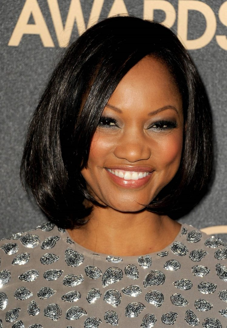 Quick Weave Bob With Side Part In Black Color