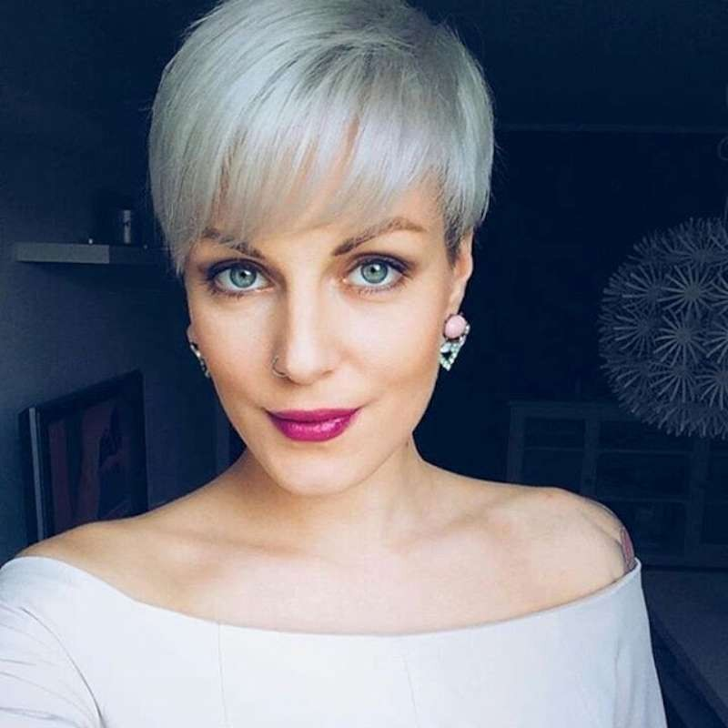 Best Short Grey Hair Styles Woman Must Try For A New Look